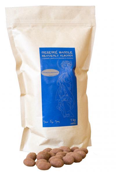 Mandeln in Milschschokolade und Ceylon Zimt Steiner&Kovarik Hochwertige in Handarbeit hergestellte edle Schokolade. Ein Genuss für die Sinne, mehrmals ausgezeichnet mit dem Great Taste Awards