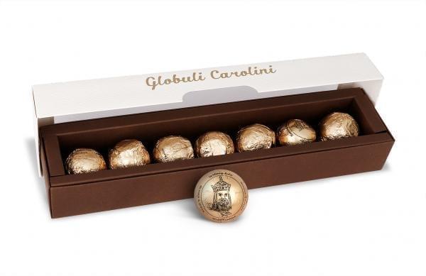 Globuli Carolini -Karls Kugeln handgefertigte Delikatesse aus Schokolade, in Rum eingelegte Zwetschgen, Zartbitterschokolade, Weiße Schokolade und Mohn