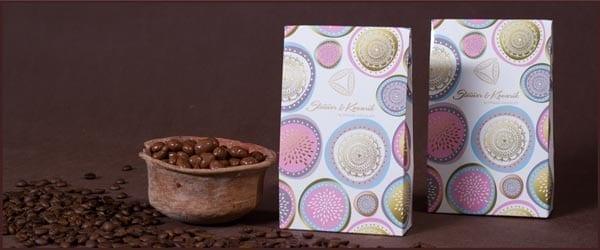 Kaffeebohnen in Schokolade